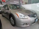 Nissan \t Altima