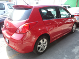 Nissan \t Tiida